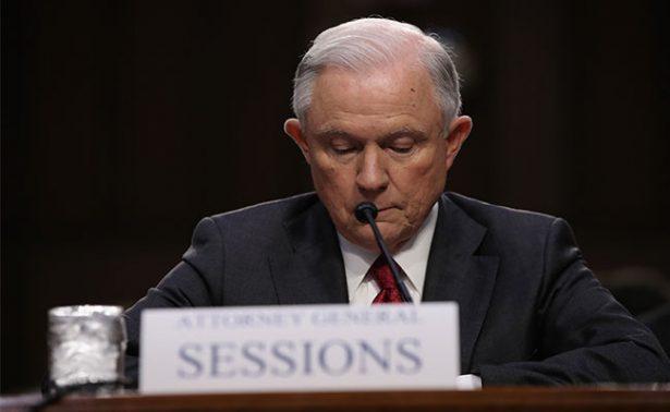 Sessions: Nunca me reuní con funcionarios rusos para influir en comicios