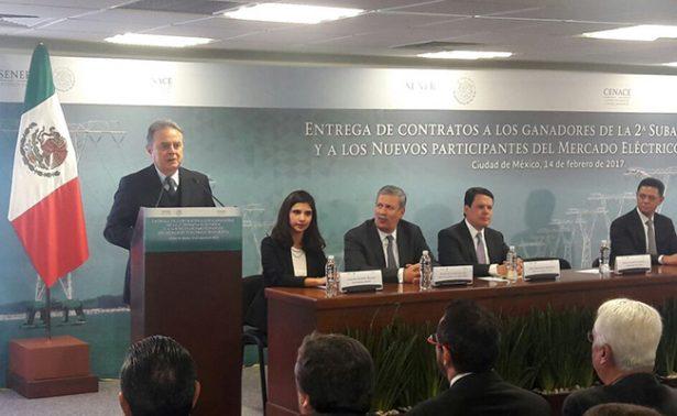 Secretaría de Energía entrega contratos a ganadores de la segunda Subasta Eléctrica