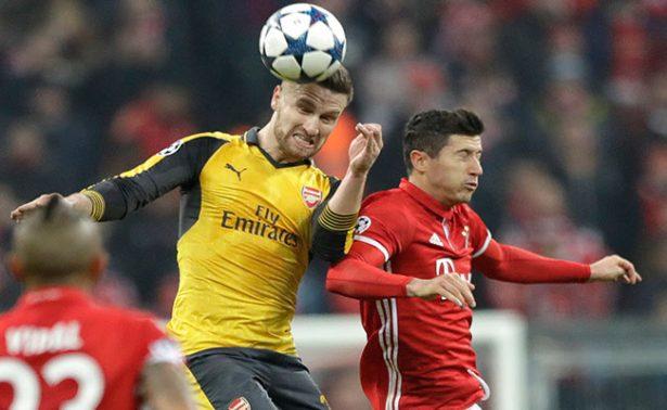 Golpear el balón de cabeza no causa lesiones cerebrales: FIFA