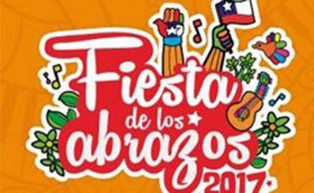 "Impulsa Partido Comunista chileno ""reforma"" en abrazos"