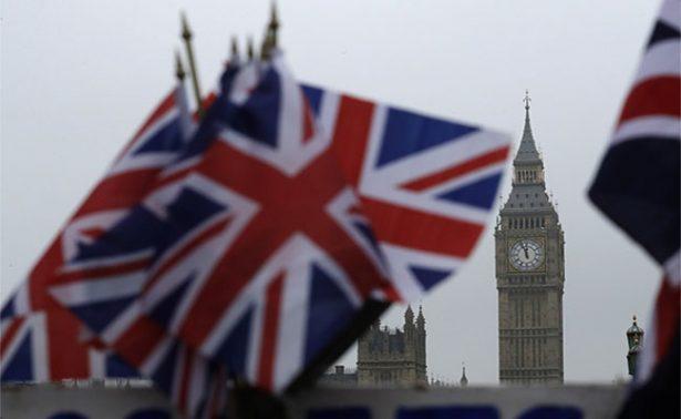 Por amplia mayoría, aprueban proyecto que dará inicio al Brexit