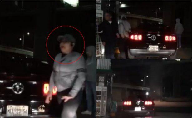 [Video] Mujer roba Mustang que cargaba gasolina en Periférico