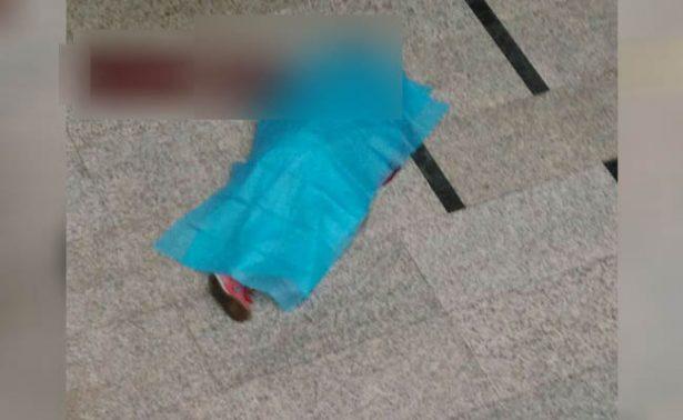 Hombre se suicida en plaza comercial de Lomas Verdes