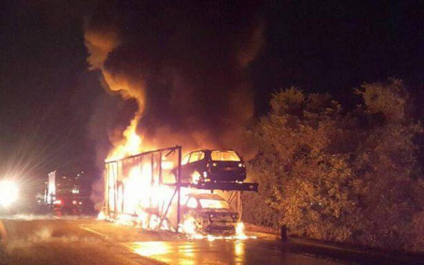 Tras incendio de nodriza, se queman varios autos 2018 en Xalapa