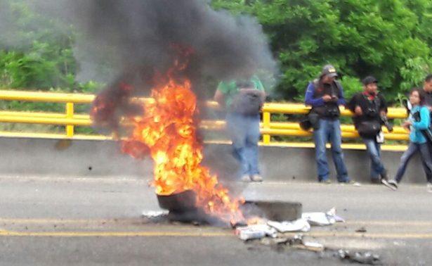 CNTE intenta boicotear la Guelaguetza con bloqueo de vialidades