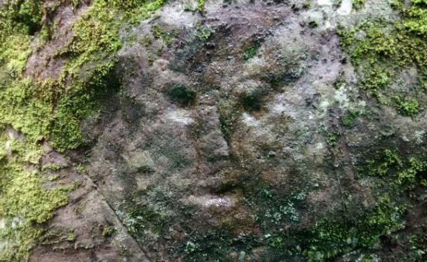 Descubren petroglifos prehispánicos en Amecameca… ¿extraterrestres?
