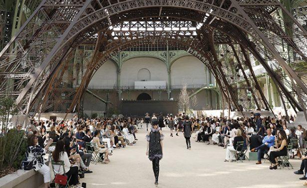 París seducido por el diseñador Karl Lagerfeld