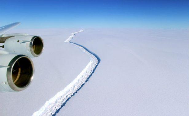 Gigantesco iceberg se desprende de la Antártida; podría ir a la deriva a América