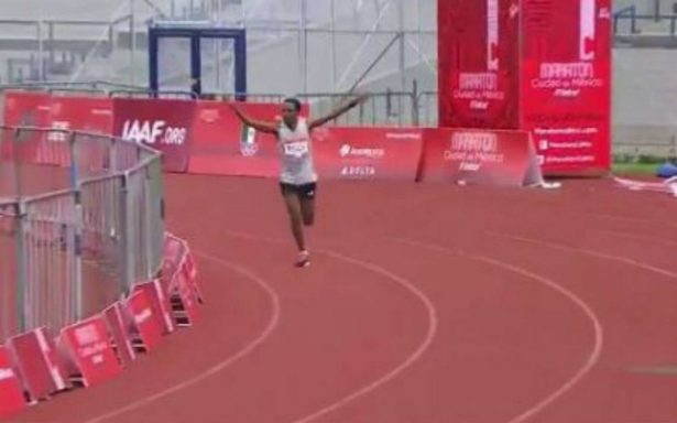 Fidaku Kebede de Etiopía es el ganador del #Maratón CDMX