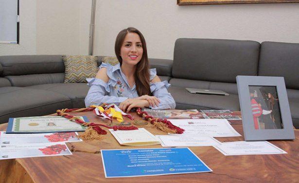 Antes de partir a la NASA, estudiante mexicana recibe anillo de compromiso