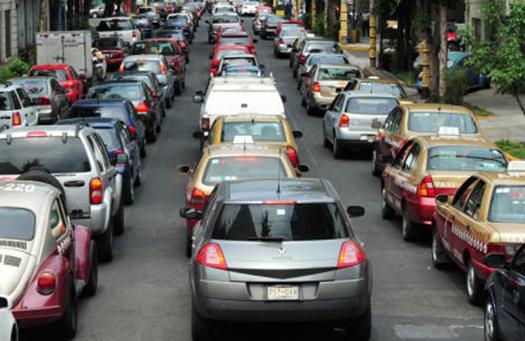 Vehículos con engomado rojo no circulan este miércoles
