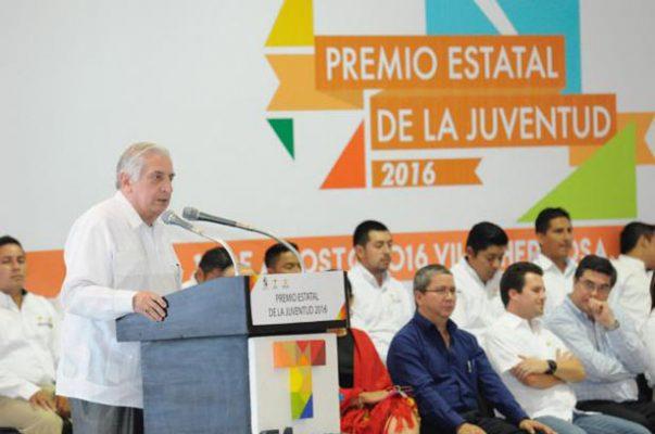 Necesario, fortalecer los derechos humanos en el país: Yeralding Sánchez