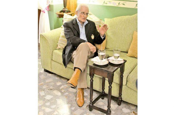 """""""Xalapa en la nostalgia"""" de Humberto Silva Mendoza, crónicas personales, semblanzas y artículos publicados en Diario de Xalapa"""