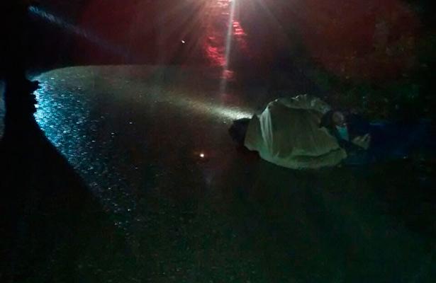 Tiran cadáver camino a Chiltoyac