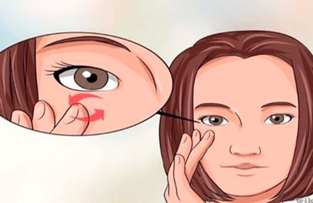 Temblor o tic del ojo es una anomalía en la función del párpado