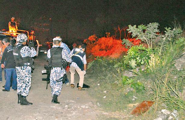 3 jóvenes, secuestrados; 4 ejecutados y asaltan a alcalde al salir de banco