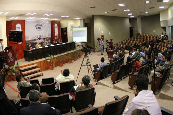 Foro busca generar mejores condiciones de  trabajo de comunicadores: Martín Aguilar