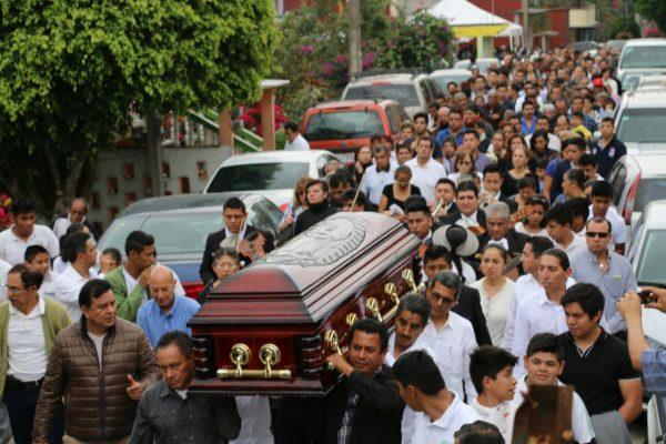 Dan último adiós a Joaquín Alcántara