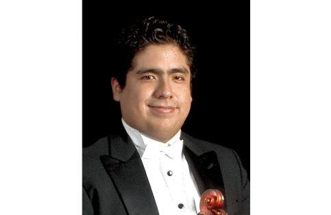 Inti Bullón, violista xalapeño.