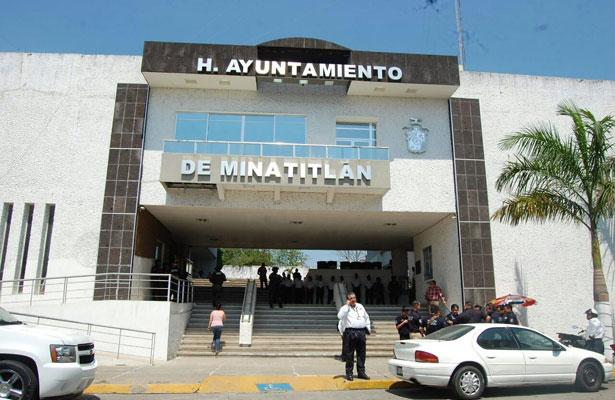 Amenazan con cárcel a síndico y regidores de Minatitlán
