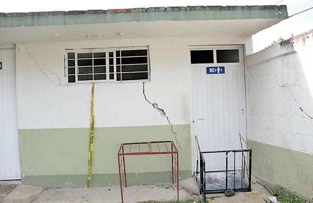 En zonas de riesgo, más de 10 mil escuelas de Veracruz: Espacios Educativos