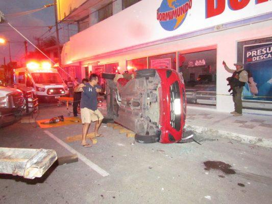 Patrulla de la SSP impactó auto en calles de Veracruz; 3 mujeres resultaron lesionadas