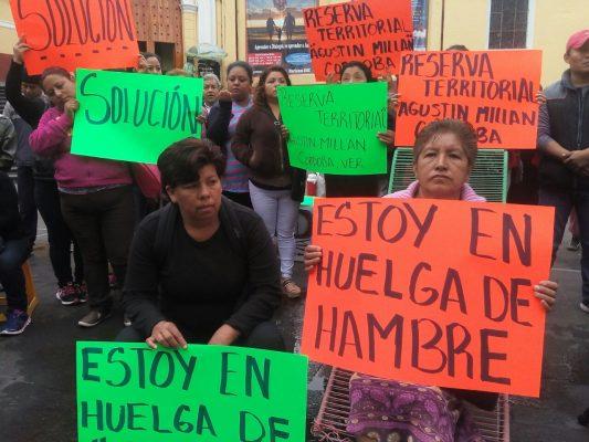Mujeres piden atención del gobierno del estado para venta de terreno