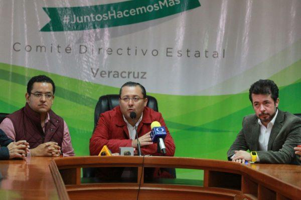 Es más fácil que diputados le bajen el sueldo al gobernador; no son sus empleados: Renato Alarcón