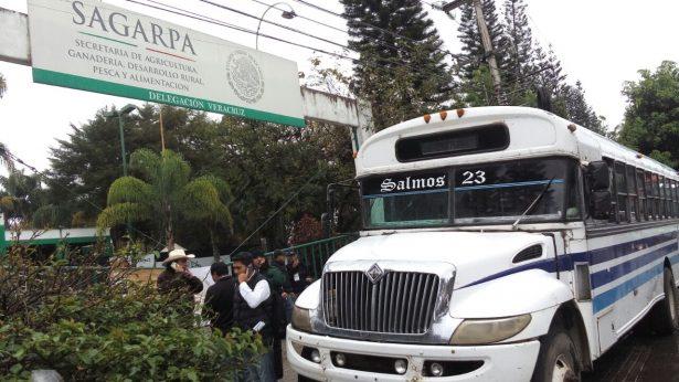 Campo y otras organizaciones toman la delegación federal de Sagarpa