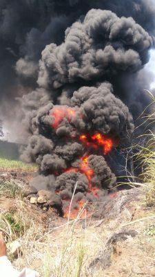 Alarma por incendio en cañaverales  y río contaminado con gasolina