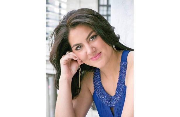 Hay que perderle el miedo a la ópera: Gabriela Flores