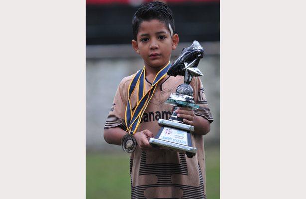 Karim Castro, se coronó rey del gol en la Liga Elite