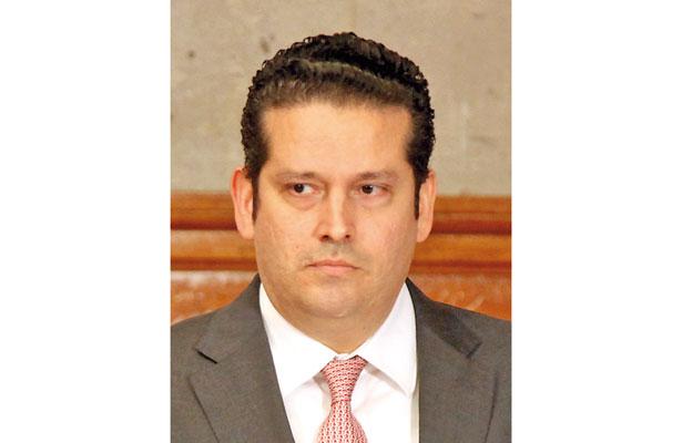 No pienso huir del Estado, asegura Juan Manuel del Castillo