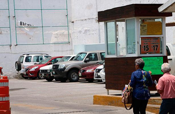 Hay abusos en el cobro de estacionamientos: Ibáñez Espinosa