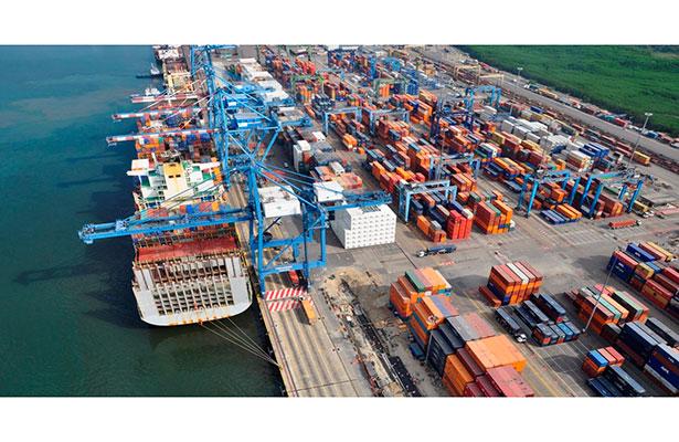 Piden aduanales agilizar ampliación del puerto