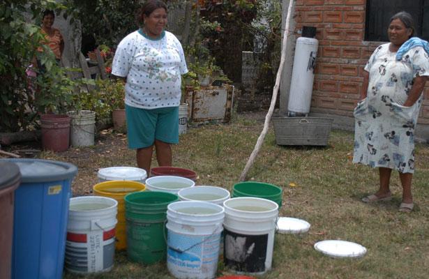 Compran garrafones de agua hasta para lavar, en Coatzacoalcos