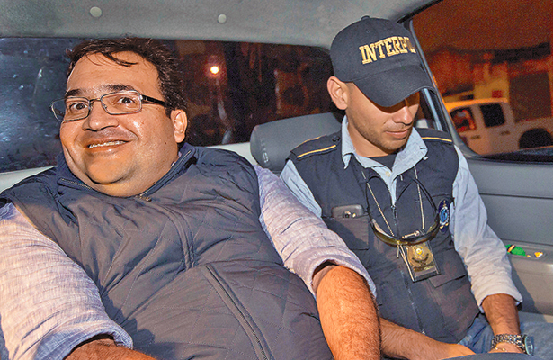 Realizan examen psicológico a Javier Duarte en instituto de Guatemala