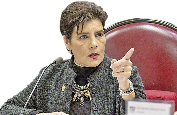 Piden descontar sueldo a diputados faltistas y reloj checador