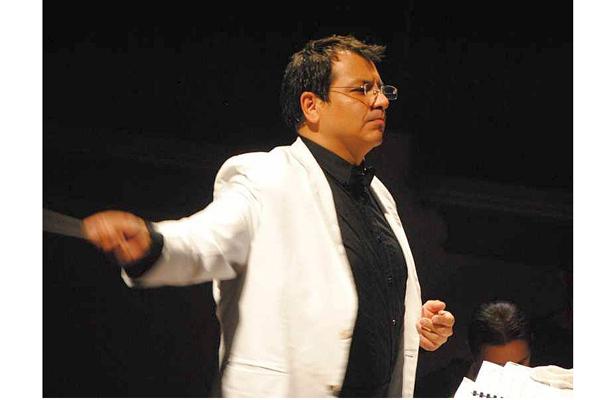 El mexicano Percival Álvarez dirige esta noche a la OSX