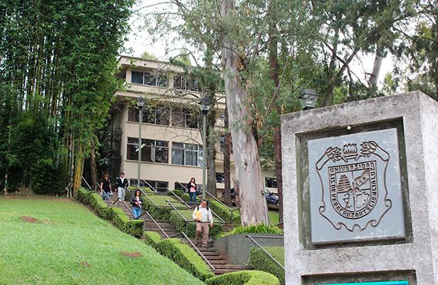 Casi 25 mil aspirantes no podrán ingresar a la Universidad Veracruzana