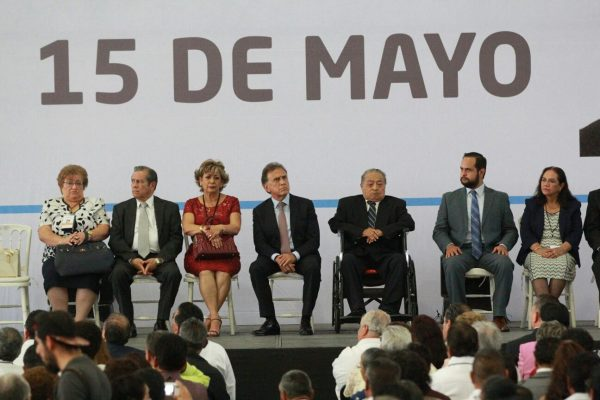 Los maestros tienen todo el apoyo del gobierno del estado:  Yunes Linares