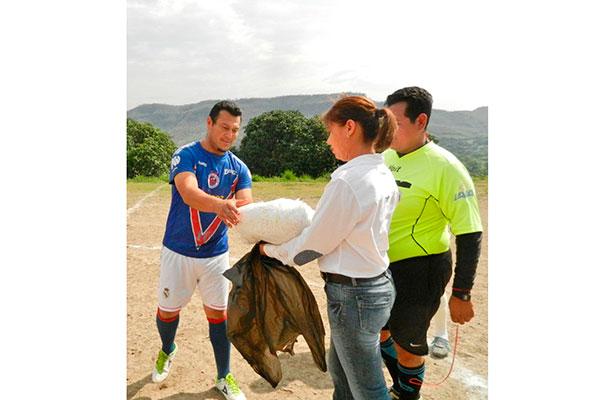 Aguaje domina el fut de Chicuasen