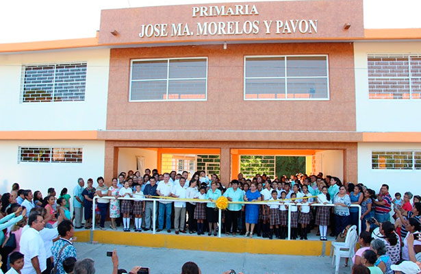 """Reconstruyen primaria """"José María Morelos y Pavón"""" en Tihuatlán"""