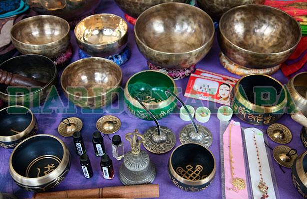Debido al ritmo de vida, xalapeños buscan cuencos tibetanos y otros instrumentos orientales