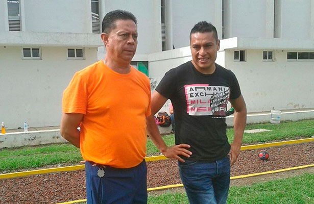 Omar Tejeda destaca la labor en Delfines de Xalapa