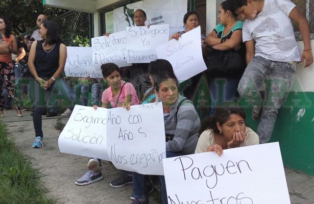 Campesinos toman la Sagarpa, exigen pago de proyectos