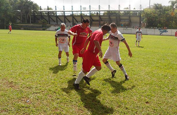 Resto fue su última víctima en el futbol master de la FUV