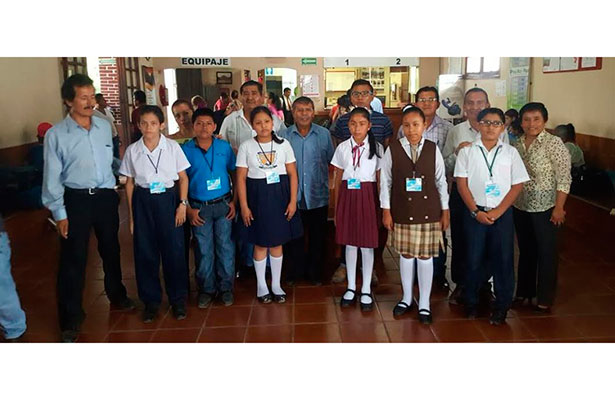 Triunfan niños indígenas en Olimpiadas del Conocimiento