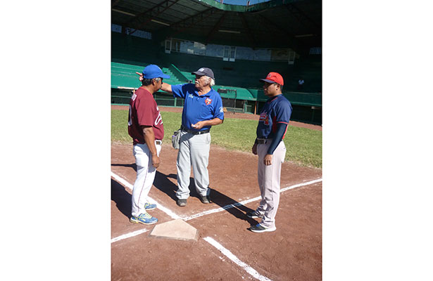 Capacitarán a managers de Liga Xalapeña de Beisbol Infantil y Juvenil