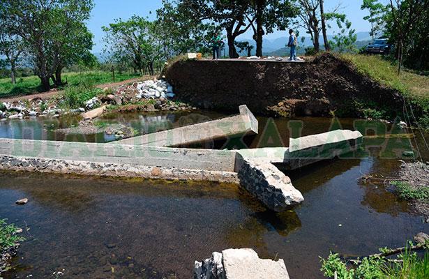 Puente construido por SCT, en Catemaco, sólo duró 2 años